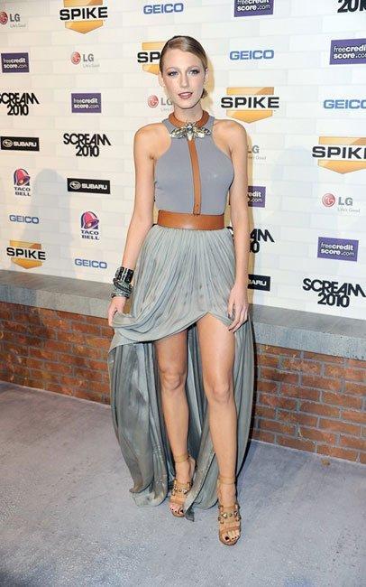 Los looks de Blake Lively y Kristen Stewart en los Scream Awards