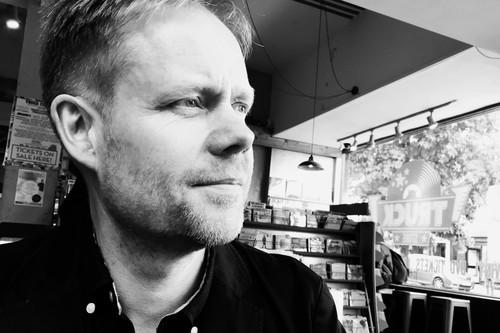 Max Richter: el brillante compositor tras bandas sonoras como 'The Leftovers' o 'Ad Astra' llega al alma a través del minimalismo