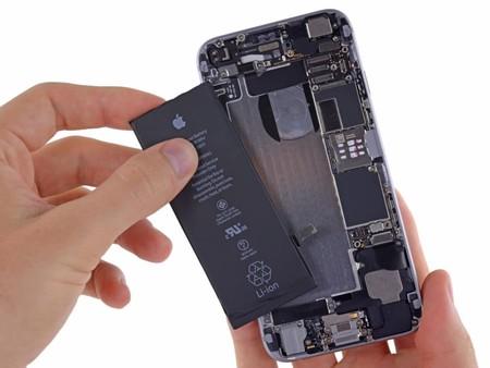 """Una nueva ley busca cambiar el diseño de smartphones, tablets y computadoras para que sean fáciles de reparar y no """"desechables"""""""