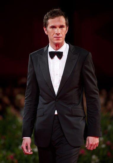 """El look de James D'Arcy en la premiere de """"W.E."""" en el Festival de Cine de Venecia 2011"""