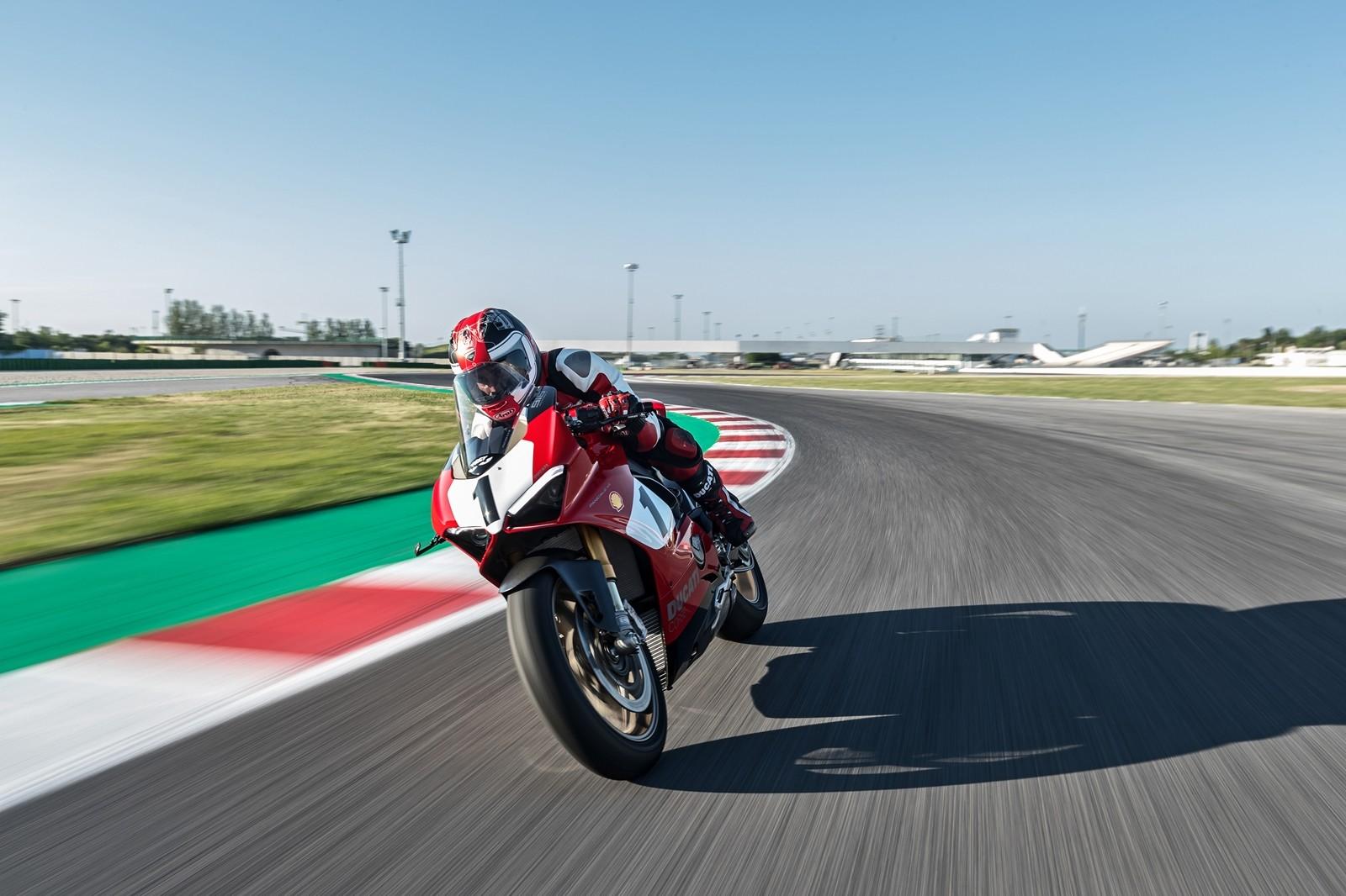 Foto de Ducati Panigale V4 25° Anniversario 916 (21/73)