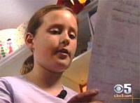 Una niña llorando por culpa de Apple