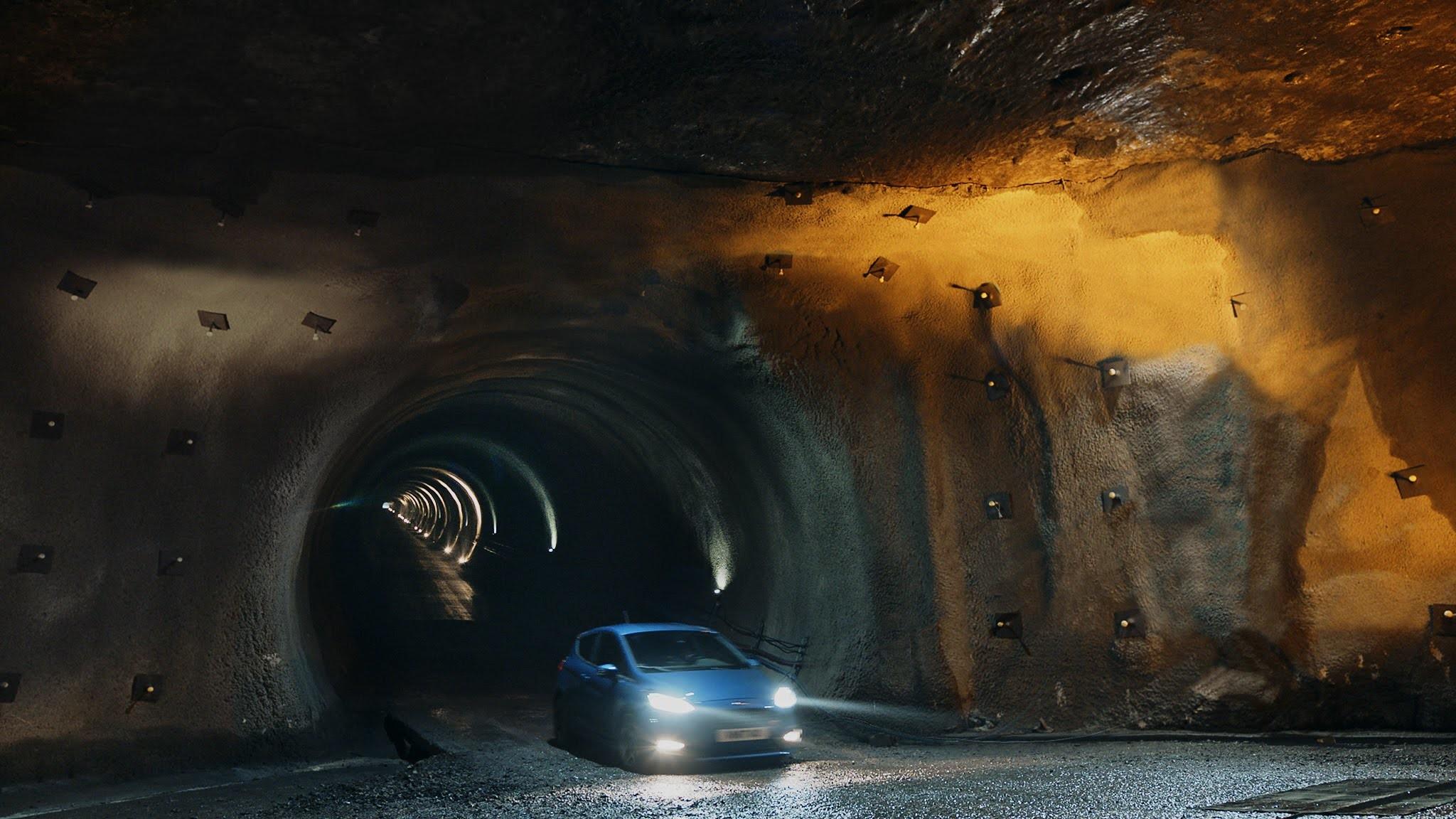 Foto de Ford Fiesta ST en una mina de sal a 400 bajo la superficie (3/7)