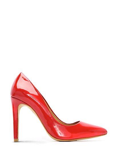 zapato salón rojo zara