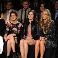 Más celebrities en los desfiles de Nueva York: aires de primavera en los looks