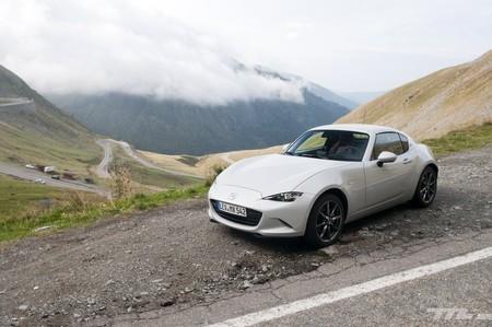 Mazda MX-5 2019, a prueba: más potente y equipado, pero tan divertido y eficaz como siempre