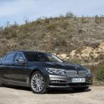 BMW 730d L, al volante del coche que todo chófer moderno querrá conducir para jugar con sus gadgets