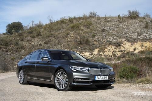 BMW 730Ld: al volante del coche que todo chófer moderno querrá conducir para jugar con sus gadgets