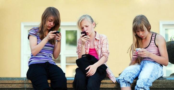Siete aplicaciones para controlar el uso del móvil en menores