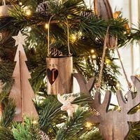 ¿Pensando en poner el árbol de Navidad? Aquí tienes unos consejos para poner el árbol perfecto
