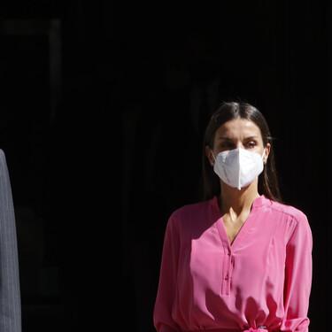 Doña Letizia estrena un sofisticado vestido boho perfecto para lucir durante todo el verano