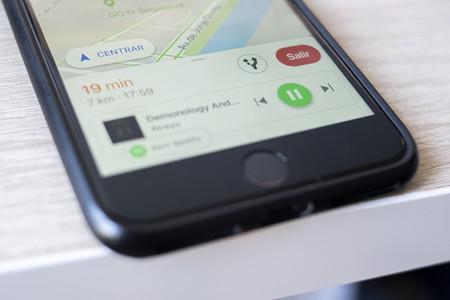 Cómo añadir los controles de música en Google Maps para iOS y Android