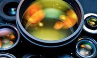 Sony no solo ha patentado el primer sensor curvo: también un objetivo de 35 mm f/1.8 para este captador