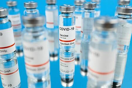 AstraZeneca hará un nuevo ensayo en su vacuna contra COVID para evitar sospechas y confusión con su nivel de efectividad