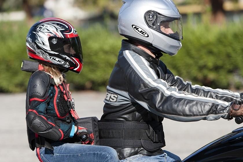¿cómo Forma En A Llevar Moto Los Correcta Podemos Niños De Menores FUZxHEwZq