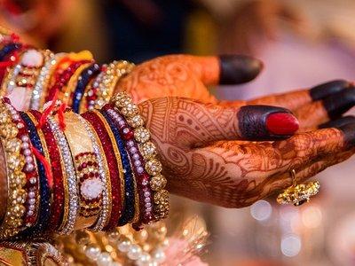 Es 2018 y todavía hay sitios en los que se venden mujeres: cuánto cuesta comprar una esposa o una esclava en diferentes países