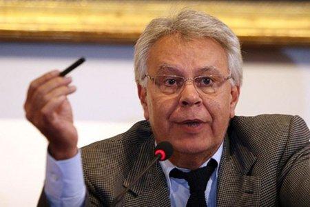 Felipe González cree que la Ley Sinde es de otro tiempo