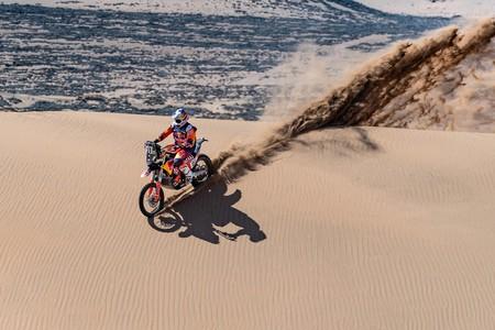 Toby Price comienza mandando en el Dakar 2020 mientras que Joan Barreda cede casi ocho minutos en la primera etapa