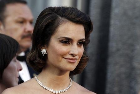 Penélope Cruz volvió a confiar en Chopard anoche en la Gala de los Oscar 2012