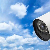 Focus 72: esta es la cámara conectada de Motorola pensada para controlar lo que sucede en casa durante nuestra ausencia