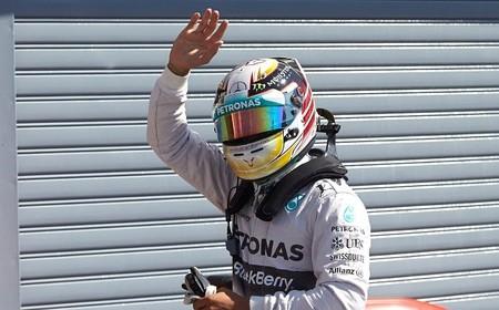 Lewis Hamilton aprovecha los errores de Nico Rosberg en Monza