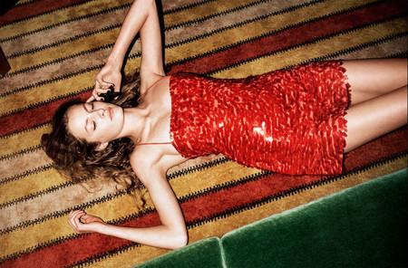 La fiebre del sábado noche se instala en la nueva colección de Zara y nos aporta nuevas ideas para estas Navidades