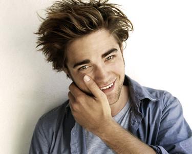 ¡Robert Pattinson atropellado por un taxi!
