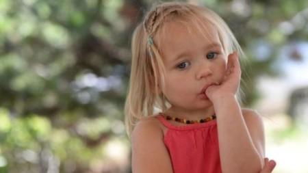 ¿Morderse las uñas de niño es beneficioso?