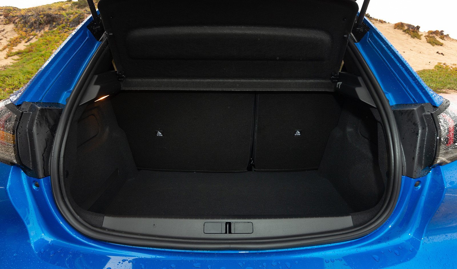 Foto de Peugeot e-208 2020 (8/24)