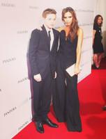 Victoria Beckham presume orgullosa de su cita con su Brooklyn
