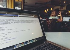 Vete a trabajar a Starbucks y serás más productivo que tus compañeros de la oficina