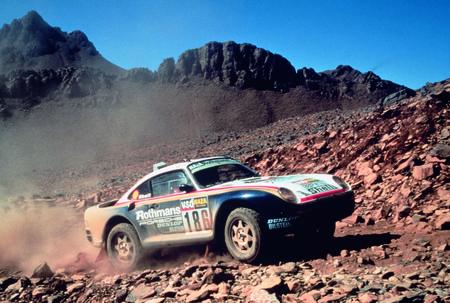 Porsche 911 victory Dakar