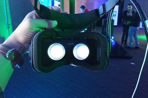 Probamos Lenovo Explorer: las primeras gafas de realidad mixta llegan a México y ya nos sentimos en el futuro
