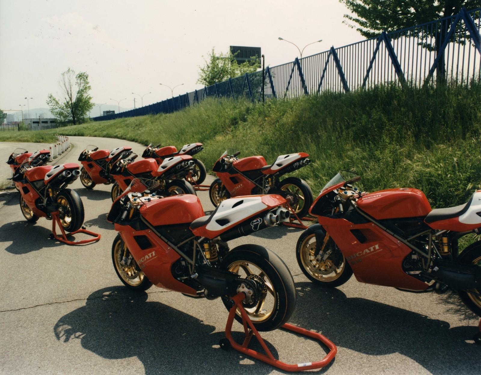 Foto de Ducati Panigale V4 25° Anniversario 916 (45/73)