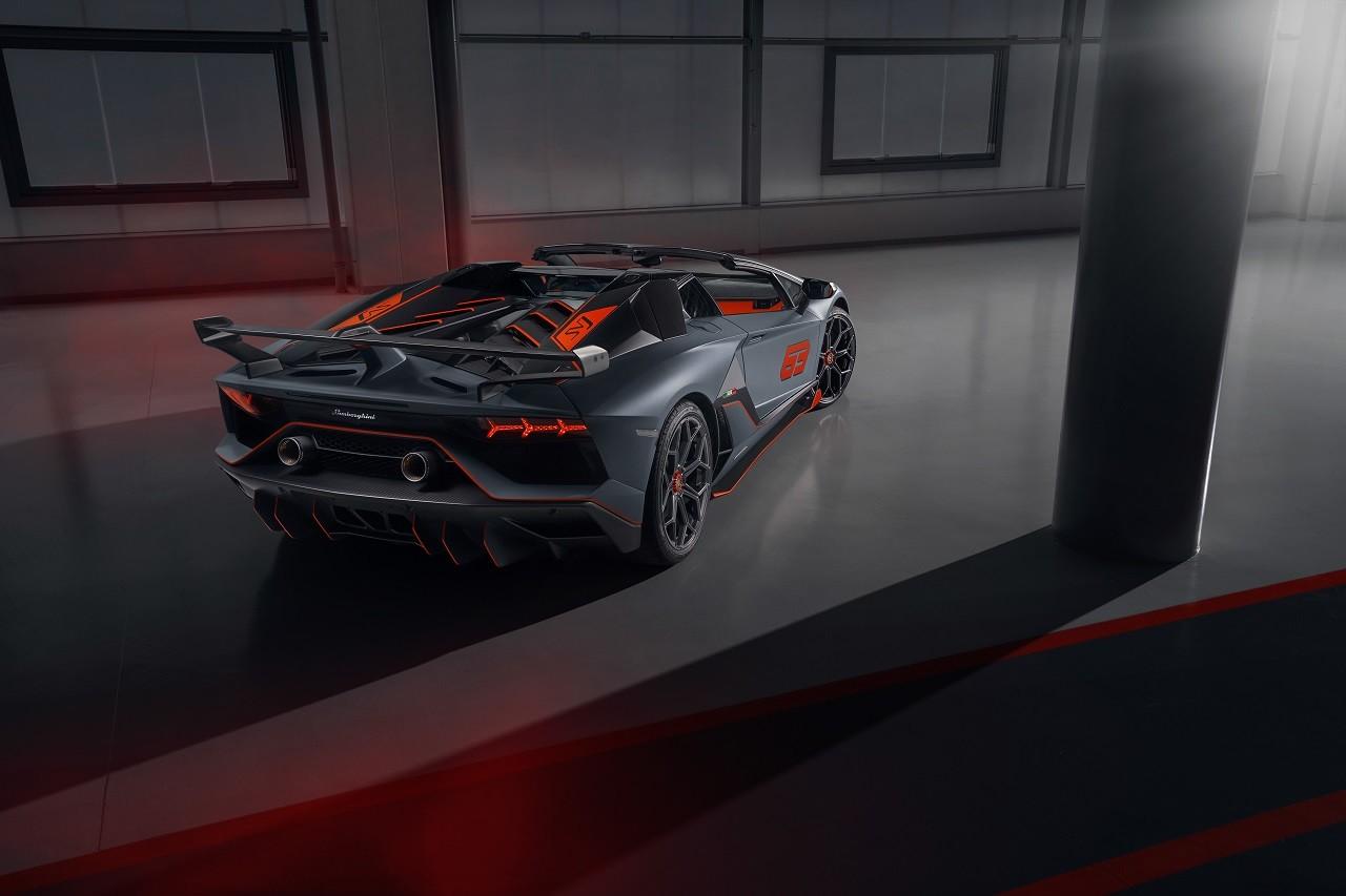 Foto de Lamborghini Aventador SVJ Roadster 63 y Huracán EVO GT (29/34)
