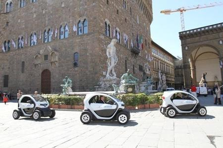Florencia duplicará sus puntos de recarga y adquirirá 85 nuevos vehículos eléctricos