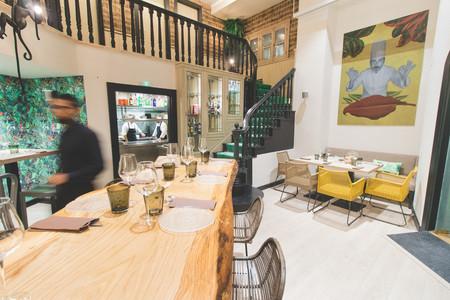 La Planta Baja De Cafe De Paris Reconvertido En Restaurante Informal Y De Picoteo