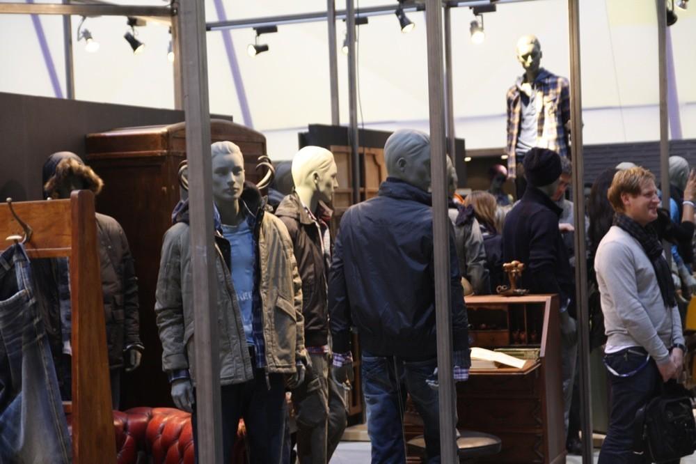 Foto de Bread & Butter Invierno 2010: Desigual, Pepe Jeans, BOSS Orange, moda denim (18/29)