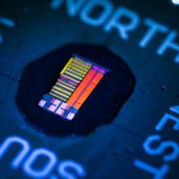 Este procesador usa la luz para transmitir datos y apunta a un futuro prometedor