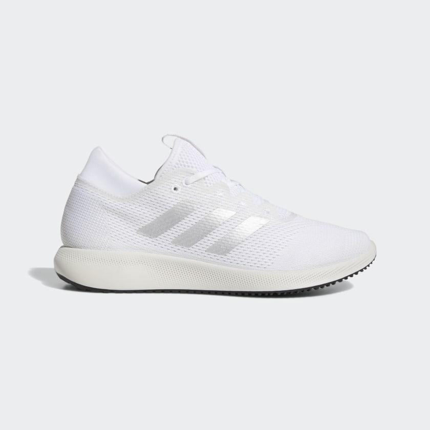 Zapatillas blancas con detalles en plata