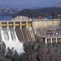 Las eléctricas con participación pública son la norma en Europa. A España le costaría sumarse a ese club
