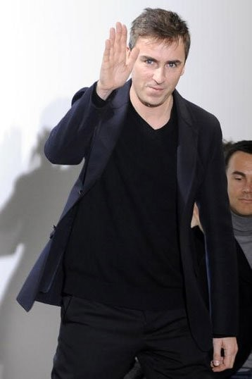 Raf Simons deja Jil Sander, próximo destino ¿Dior?