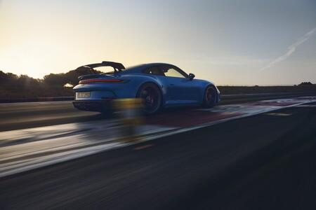 Porsche 911 GT3 2021 trasera