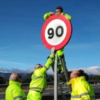 A 90 km/h por carretera. Hoy entran en vigor los nuevos límites de velocidad genéricos