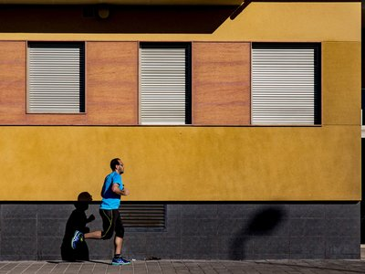 Cinco razones por las que salir a correr en la ciudad no es (para nada) una mala idea