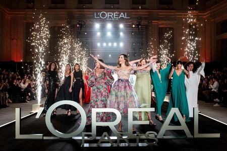 L'Oréal impacta con un desfile de modelos de más de 50 años y demuestra que la belleza no tiene edad