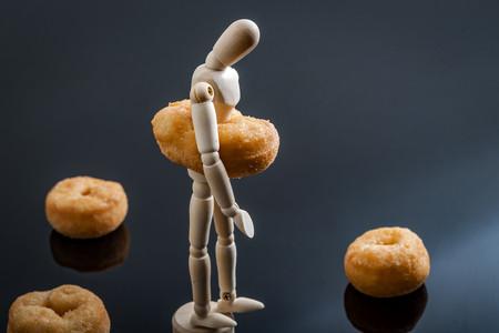 Esta es la razón por la que acumulas grasa en el abdomen o en las caderas
