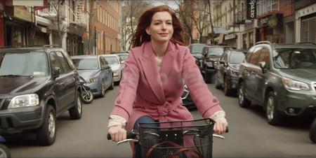 Amazon apuesta todo al amor con Modern Love, su nueva serie romántica con Anne Hathaway