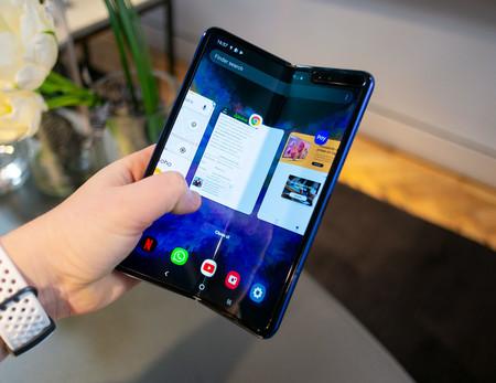 Samsung Galaxy Fold, primeras impresiones: la sensación continua de sostener el móvil del futuro aunque quede trabajo por hacer