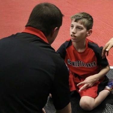 La gran lección de superación de Lucas: tiene parálisis cerebral y ha ganado un campeonato de lucha libre
